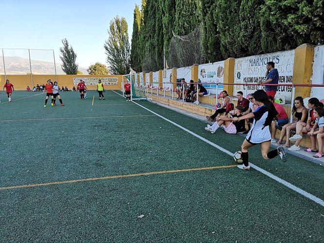 Las futbolistas del CD Huracán vencen el III Torneo Femenino de Fútbol 7 de Cúllar Vega