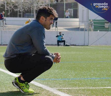 Jaime Morente, entrenador del CD Huétor Vega, durante un encuentro de la pasada temporada (GRJ)