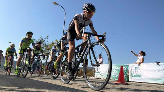 El ciclismo granadino vuelve a brillar en Otura
