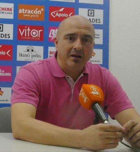 Antonio Sánchez Frías en sala de prensa tras el partido jugado en Loja (PACO CASTILLO)