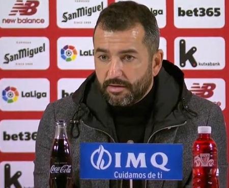 Diego Martínez, entrenador del Granada CF, en la sala de prensa (GRANADA CF)