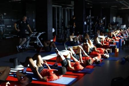 El equipo trabajando en el gimnasio (P.VILLOSLADA / GCF)