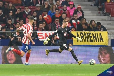 Aarón, durante el partido de su debut en Primera ante el Atlético de Madrid (GEJ)